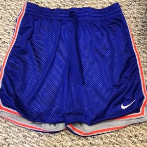 Like new Nike shorts dry fit Size S